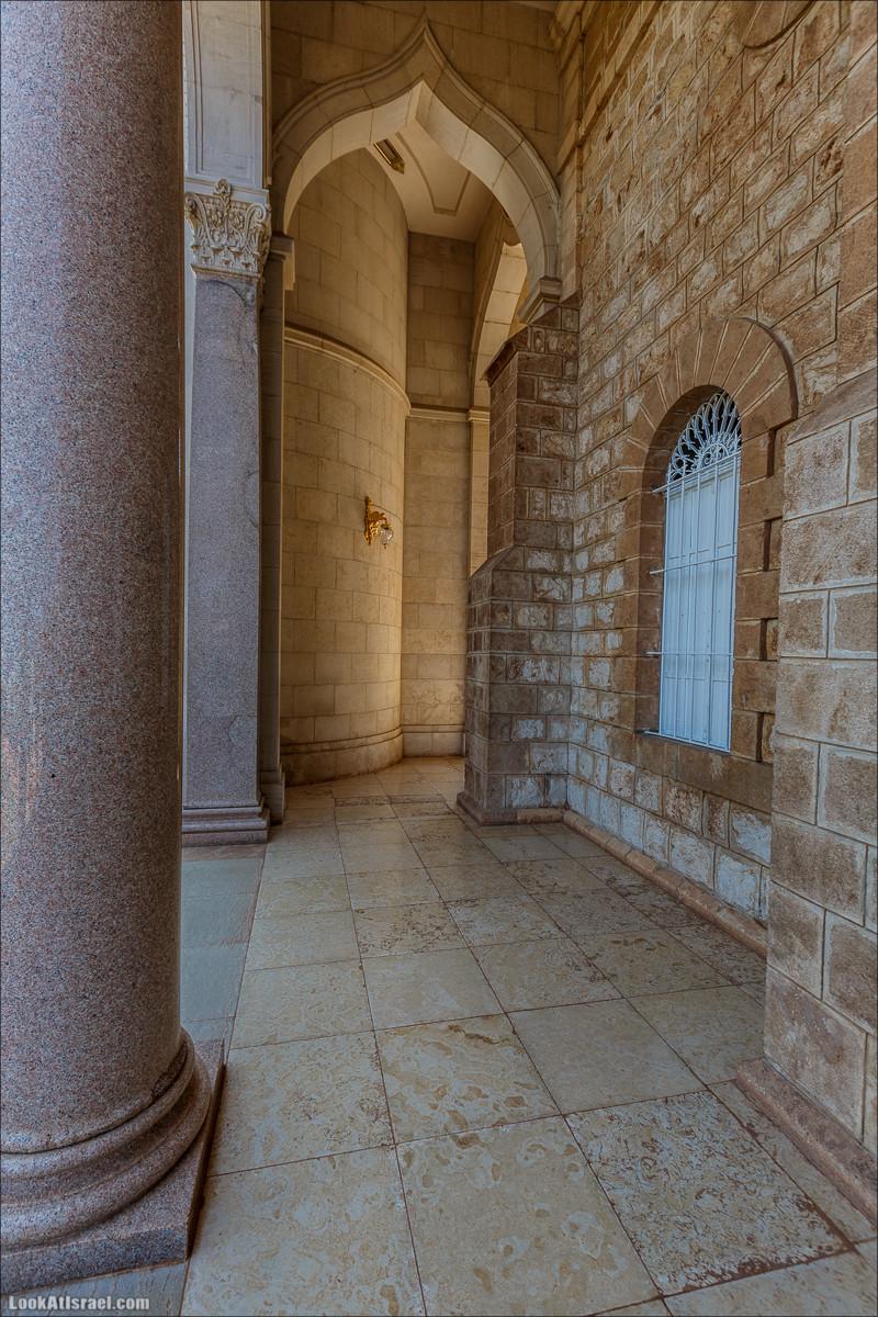 Всемирный центр наследия и сады Бахаи в Хайфе | The Gardens in Haifa - The Bahai | המרכז הבהאי העולמי | LookAtIsrael.com - Фото путешествия по Израилю