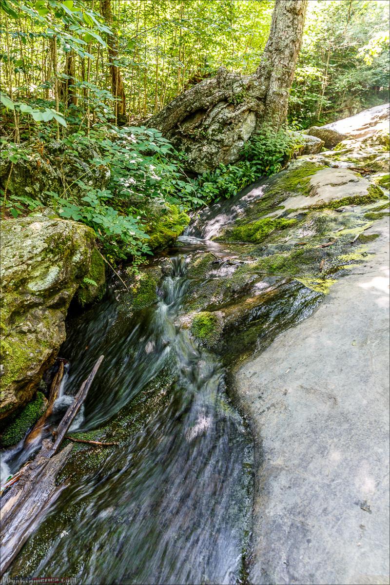 Водопад Dark Hollow Fall в парке Шенандоа | LookAtAmerica.com - Большое Американское путешествие LookAtIsrael.com