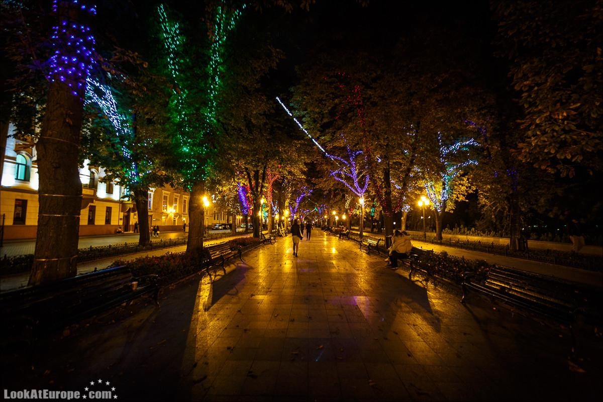 Вечерние огни Дерибасовской | LookAtIsrael.com - Фото путешествия по Израилю