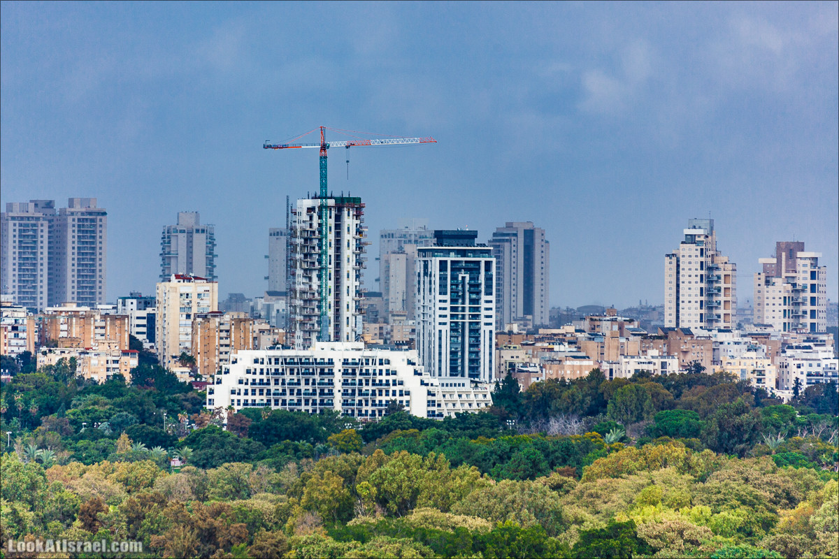 Смотровая площадка с видом на Тель-Авив в парке Ариель Шарона, Хирия   Belvedere Tel Aviv Metropolis View   פארק אריאל שרון חיריה מרפסת תצפית מטרופולינית   LookAtIsrael.com - Фото путешествия по Израилю