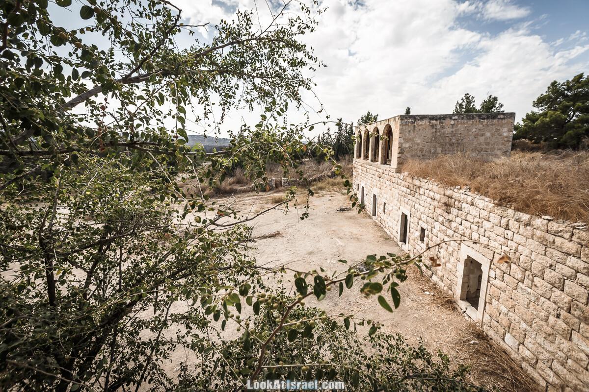 Бейт а-Кшатот в котором был расстрелян Меир Товианский | LookAtIsrael.com - Фото путешествия по Израилю