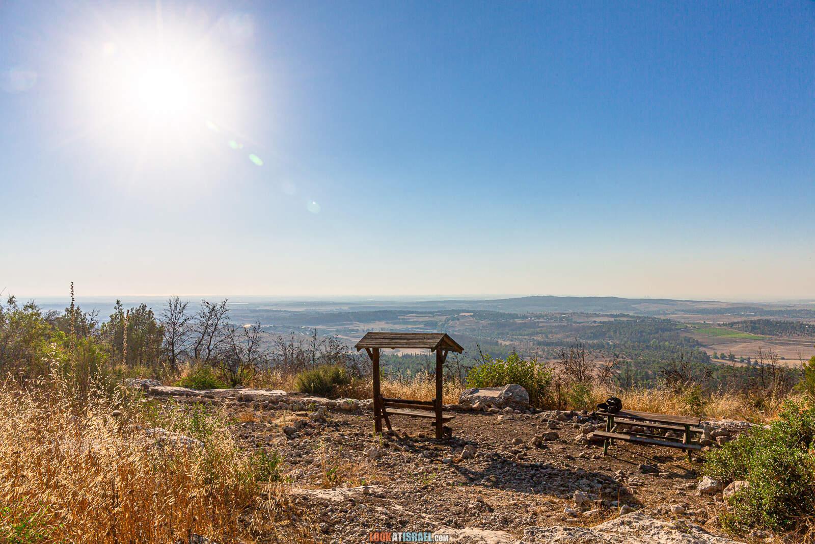 Смотровая площадка на вершине горы Тнуфа | LookAtIsrael.com - Фото путешествия по Израилю