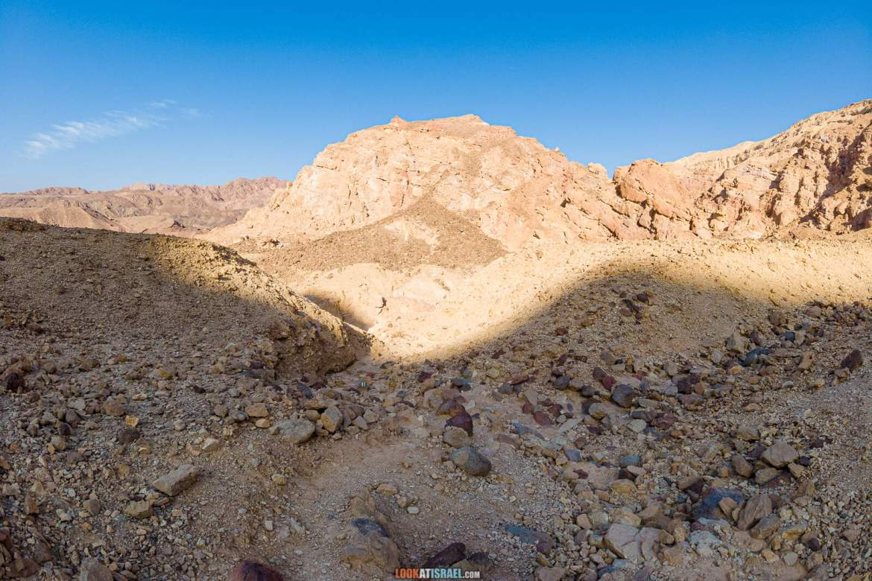 Поход по Эйлатским горам - Проход Маавар Цафра (מעבר צפרה) Ущелье Гешрон (נחל גשרון) гора Цфахот (הר צפחות) | LookAtIsrael.com - Фото путешествия по Израилю