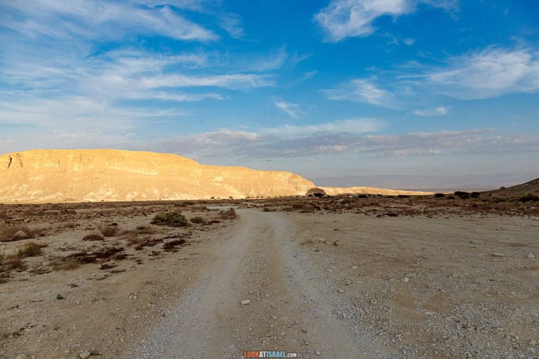Путешествие на внедорожниках по пустыне Арава, заповедник Больших Рек (Нахалим а-гдолим) | טיול שטח בערבה - שמורת נחלים הגדולים |LookAtIsrael.com - Фото путешествия по Израилю