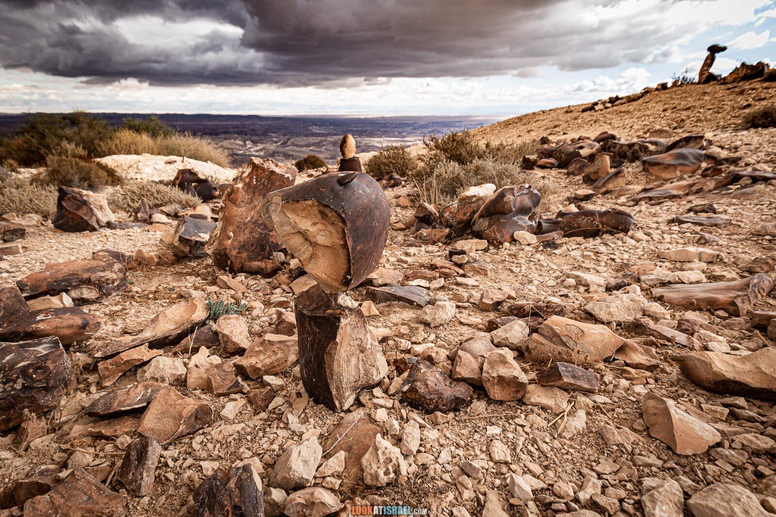 Храм эпохи палеолита на горе Карком | The Paleolithic Temple on mount Karkom | המקדש הפליאוליתי בהר כרכום | LookAtIsrael.com - Фото путешествия по Израилю