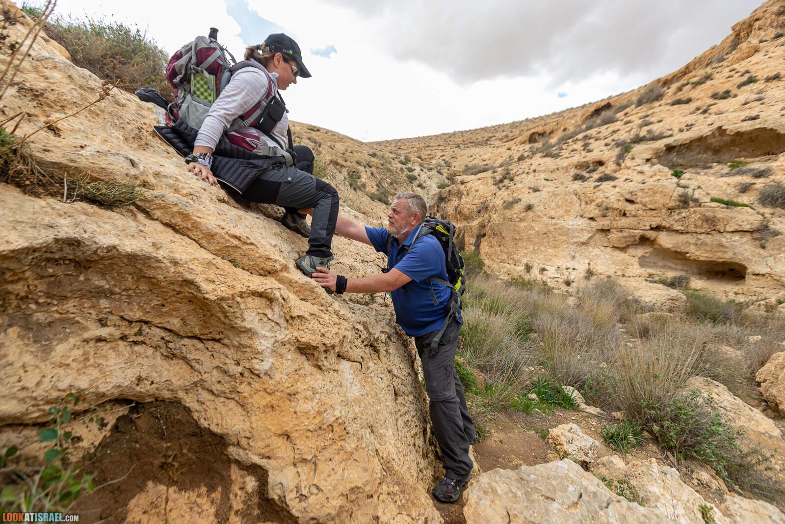 Лисье ущелье (Вади шуалим) - От Йерухама к большому махтешу | נחל שועלים |  LookAtIsrael.com - Фото путешествия по Израилю