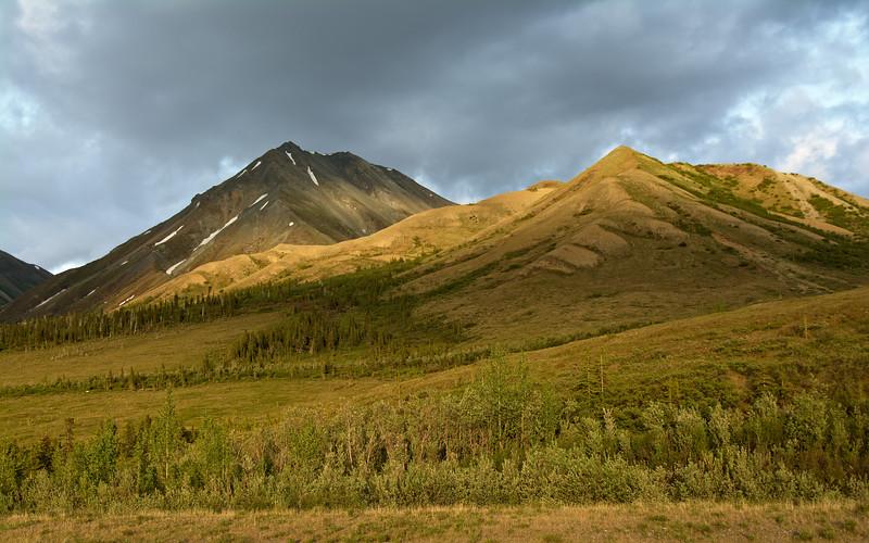 Golden evening light hits the mountains south of Rainbow Ridge.