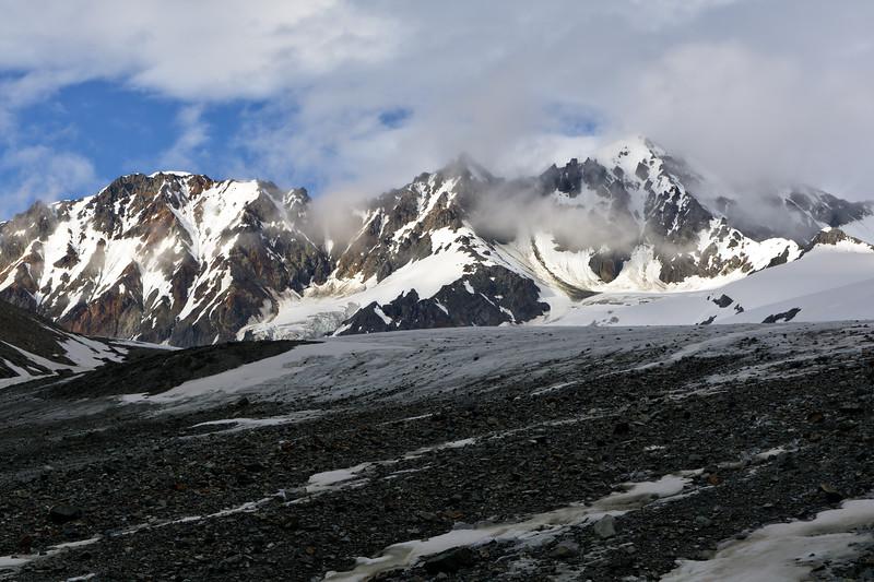College Glacier – Hiking Guide