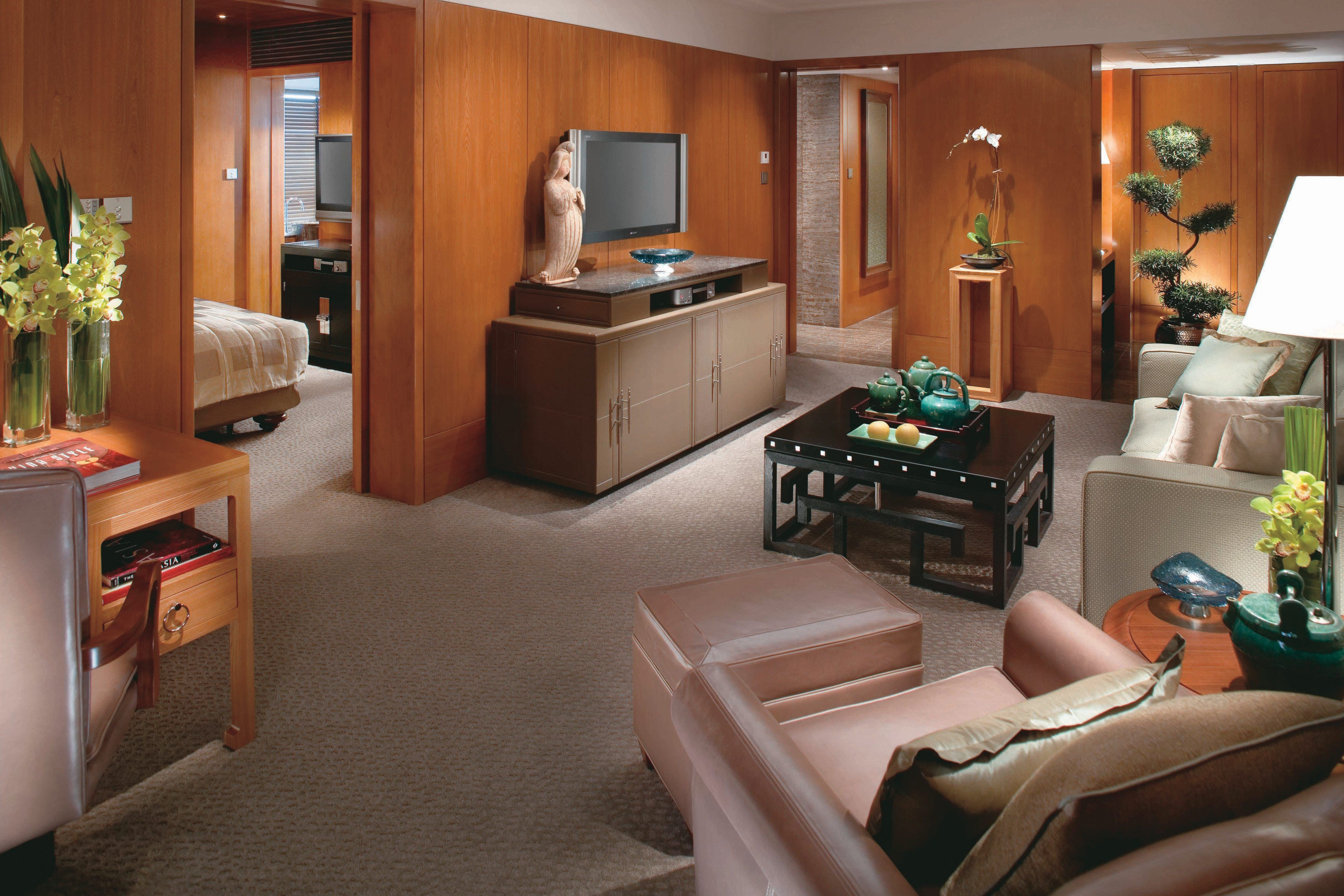 Luxury Accommodations In Central Mandarin Oriental Hong
