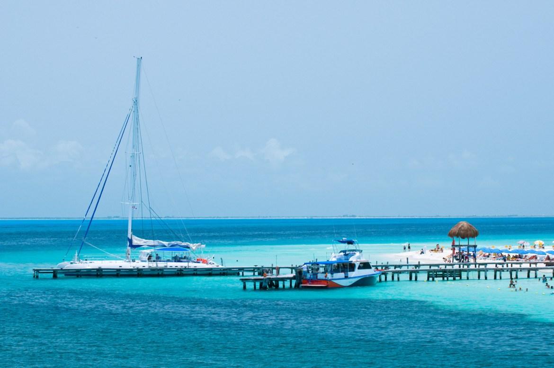 Image Bank - Coastal Landscapes. A view into the Caribbean along the coast of Mexico's Yucatán Peninsula, near Isla Mujeres and Cancun.