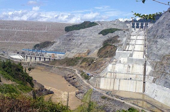 Bakun dam during construction. Photo by: Mohamad Shoox.