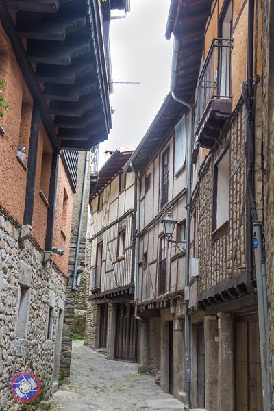 Street in La Alberca (©simon@myeclecticimages.com)