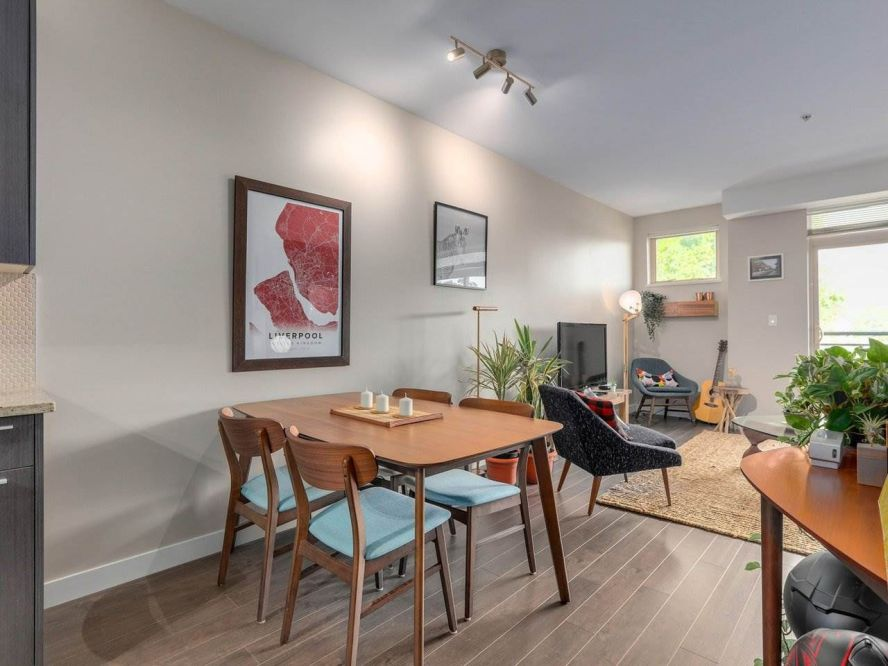"""Photo 9: 309 707 E 20TH Avenue in Vancouver: Fraser VE Condo for sale in """"BLOSSOM"""" (Vancouver East)  : MLS®# R2404449"""