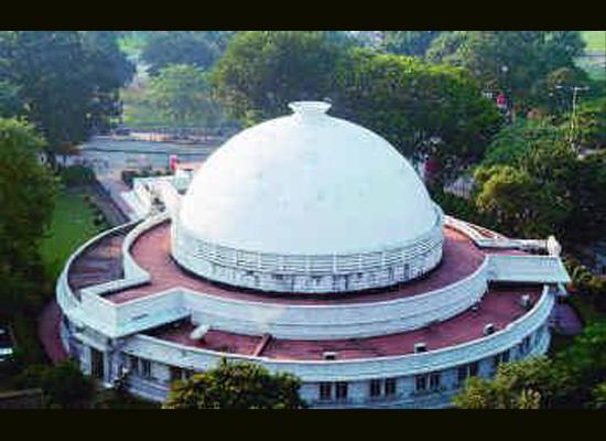 https://i2.wp.com/photos.pouryourheart.com/wp-content/uploads/2018/12/Birla-Planetarium-Kolkata.jpg?w=640