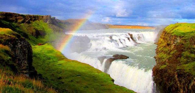 https://i2.wp.com/photos.pouryourheart.com/wp-content/uploads/2018/12/Gullfoss-Waterfall.jpg?w=640