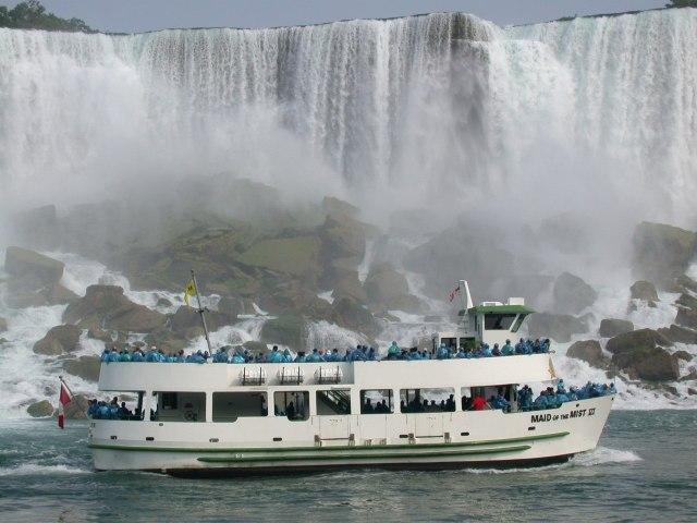 https://i2.wp.com/photos.pouryourheart.com/wp-content/uploads/2018/12/Niagara-Falls7.jpg?w=640