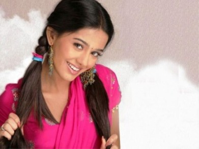 Small Indian actress amrita rao wallpapers free download