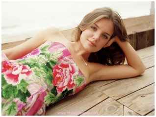 Katie Holmes HD PIctures free download
