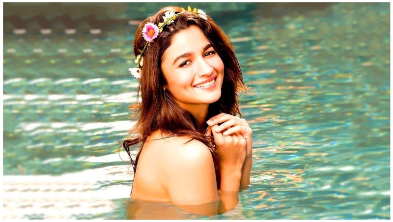 Beautiful Alia Bhatt Actress HD Photos Wallpapers Download