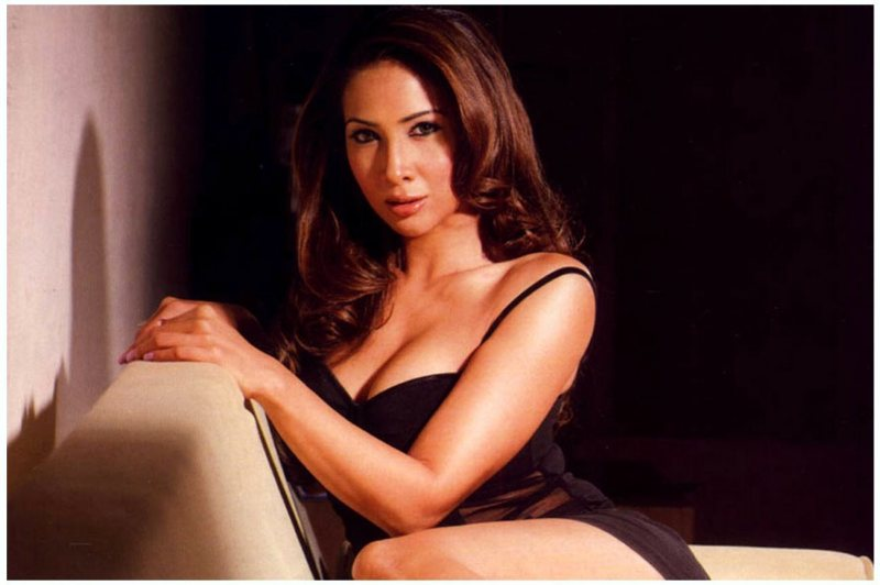 Kim Sharma Wallpapers and Background Images