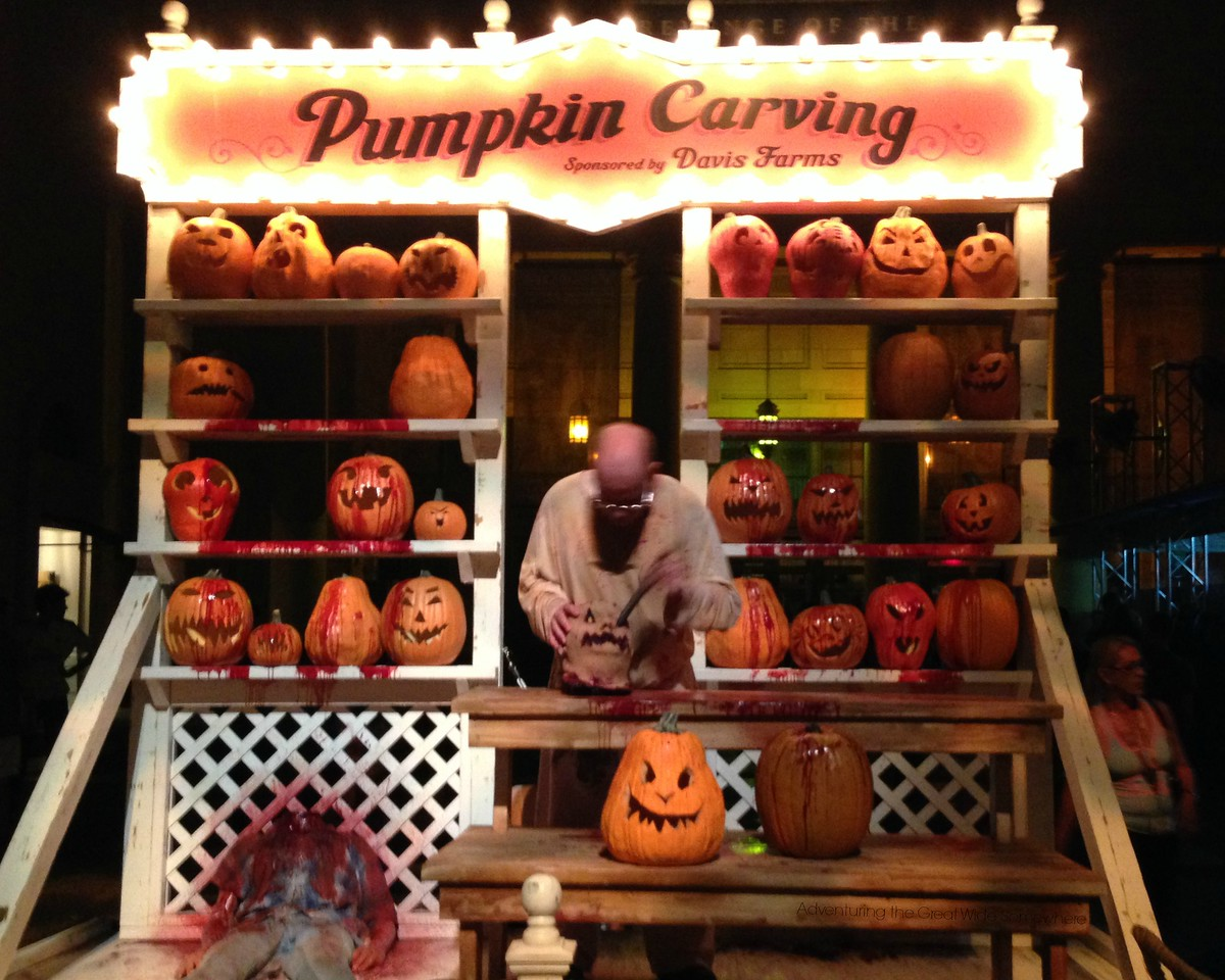 Psychoscareapy Unleashed Pumpkin Carving at Halloween Horror Nights 25