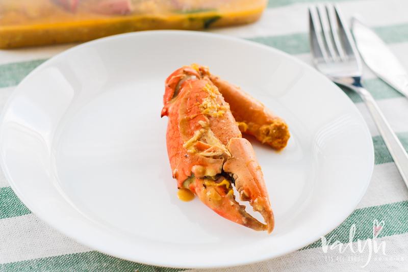 8 Crabs-2.jpg