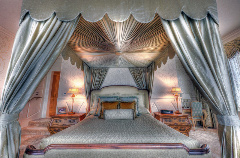 fairy_tale_suite_honeymoon_disneyland_hotel_ (7)