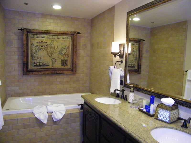 20110602 disneyland hotel pirates of the caribbean suite 3 bathroom 1 (14)