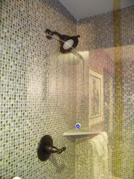 20110602 disneyland hotel pirates of the caribbean suite 3 bathroom 1 (5)