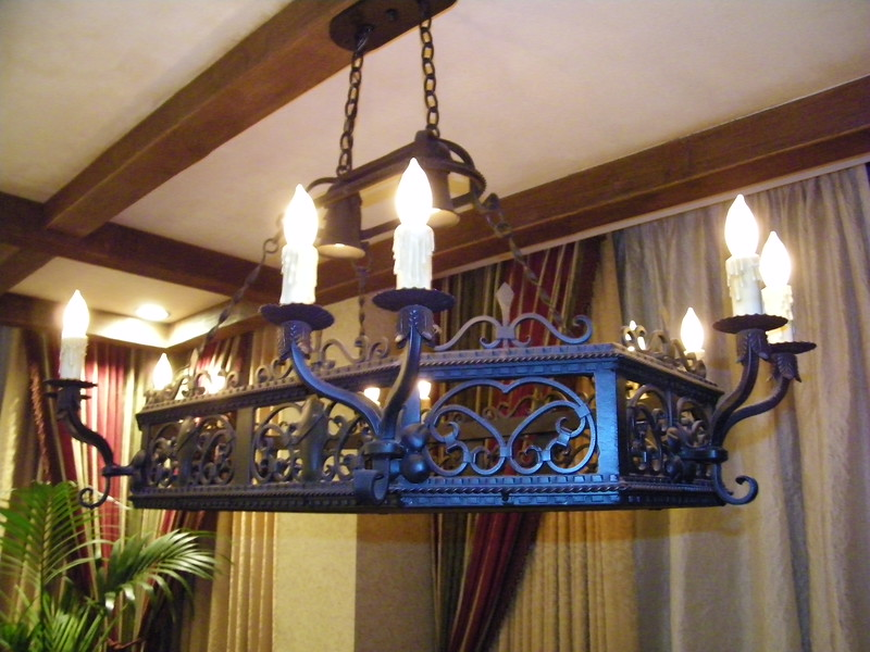 20110602 disneyland hotel pirates of the caribbean suite 2 dining (3)