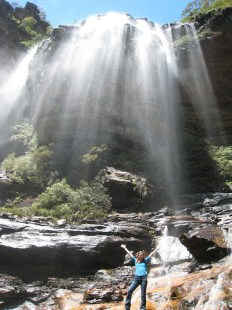 waterfalls trail in Blue Mountains as an independent traveler