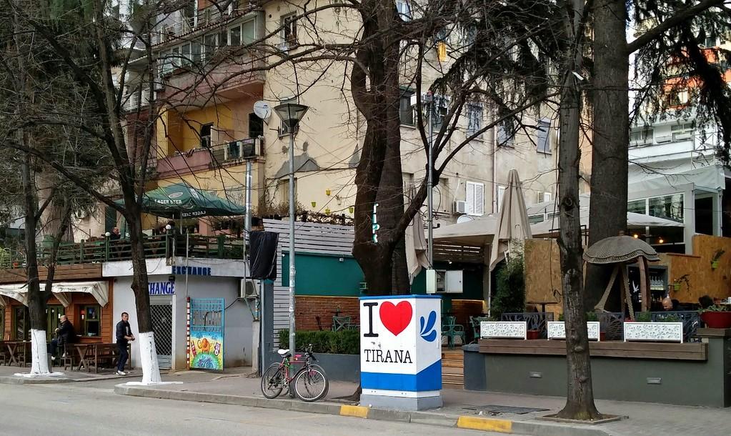 I Love Tirana - StreetArtChat.com