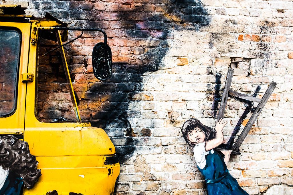 Ernest Zacharevic - Rage against the machine street art