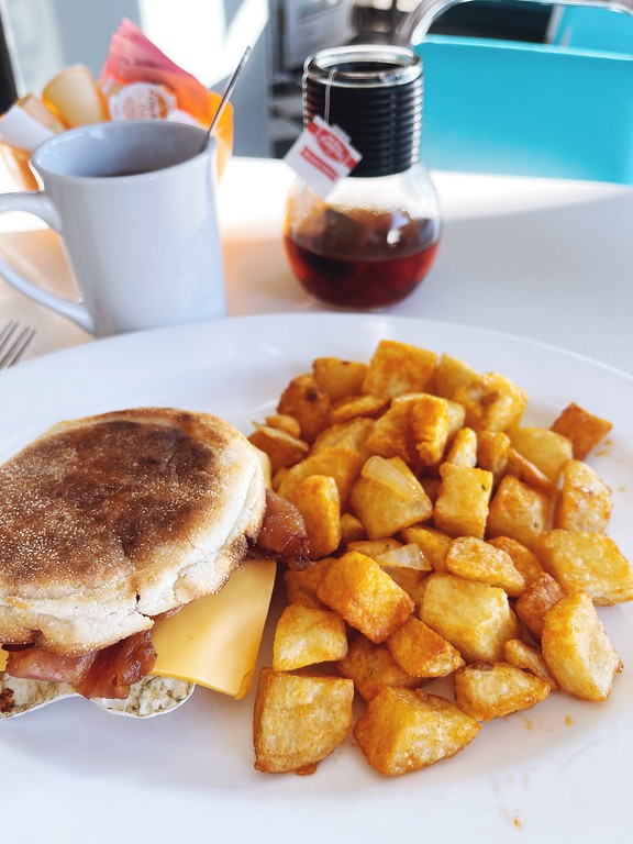 Bacon, egg and cheese sandwich at Fil's Diner - A Fat Girl's Guide to Eating in Ottawa