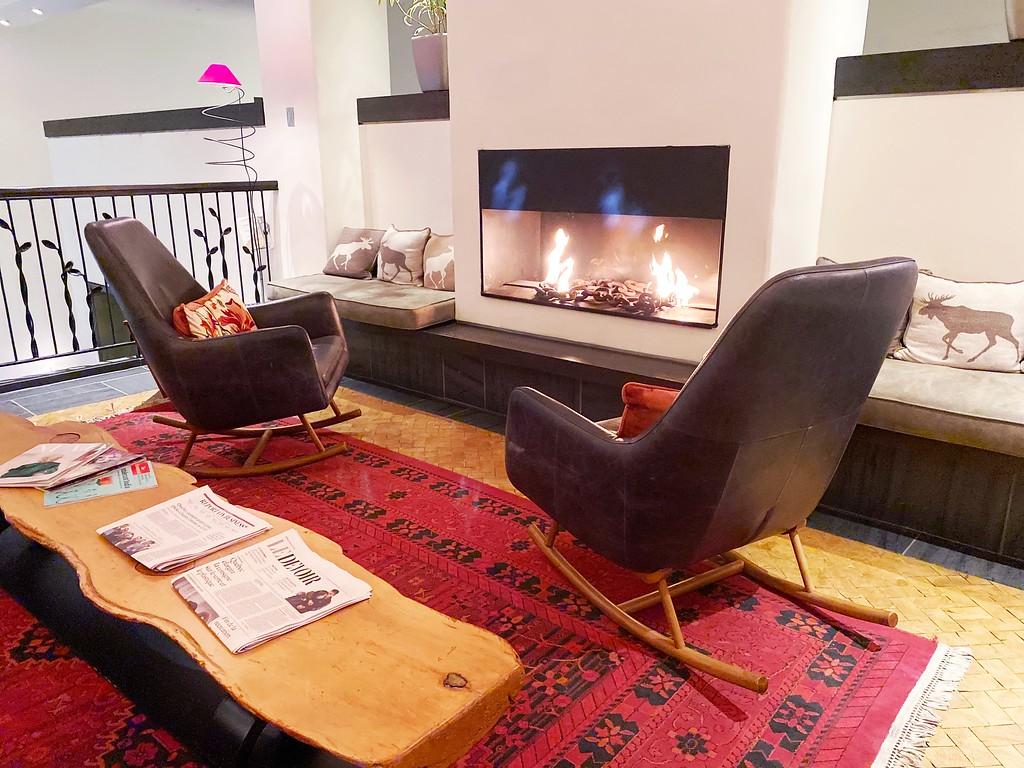 Lobby lounge at Auberge Saint-Antoine