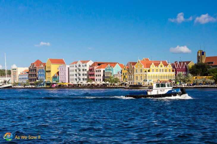 Impressions of Curacao begin on the water