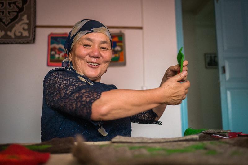 Learning how to make a shyrdak felt craft