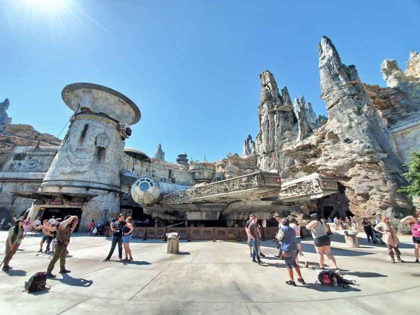 Complete Guide: STAR WARS: GALAXY'S EDGE at Disneyland brings a galaxy far, far, away to Anaheim!