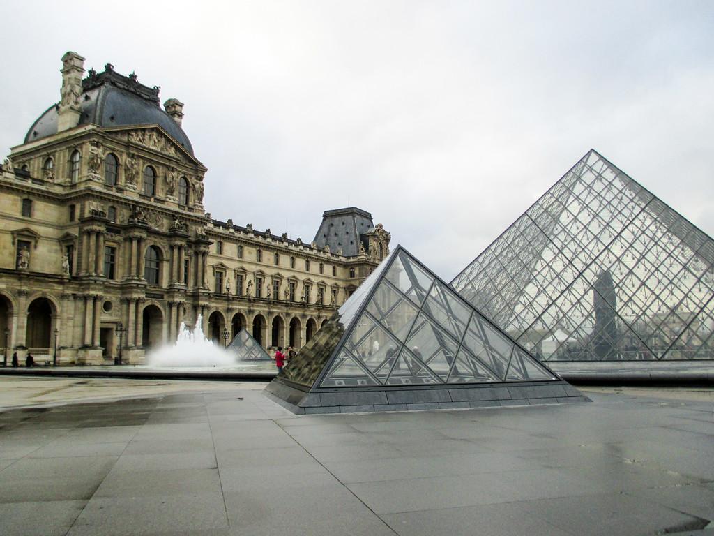 paris november means no lines at big sites