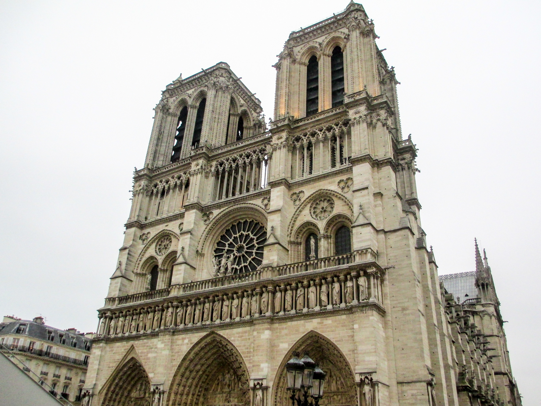 two days paris is plenty of time to see the main sites like notre dame