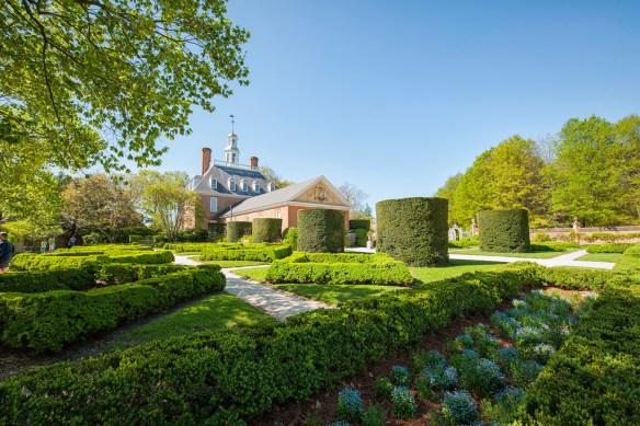 Governor's Palace Gardens Spring