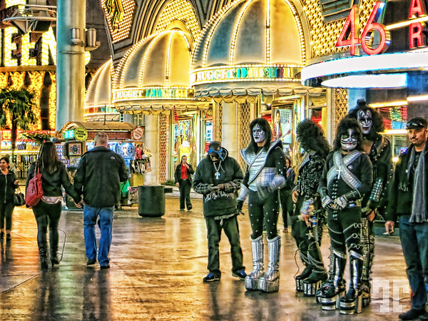 Entertainers on Fremont Street Expecience