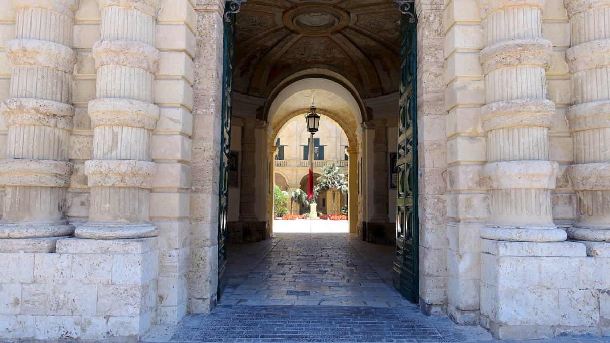 Self-Guided Valletta Walking Tour - Grandmaster's Palace and Armouries