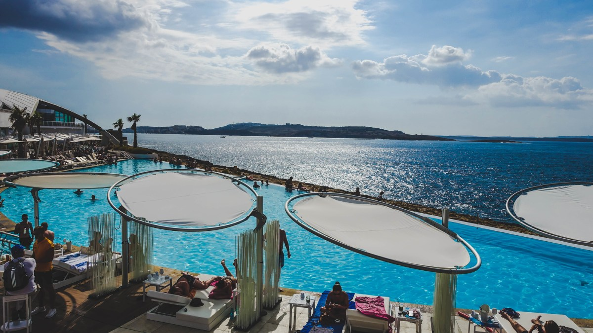 Things to do in Malta - Cafe del Mar
