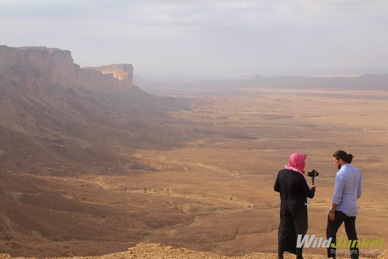 和沙特阿拉伯的女人一样——当她的身份
