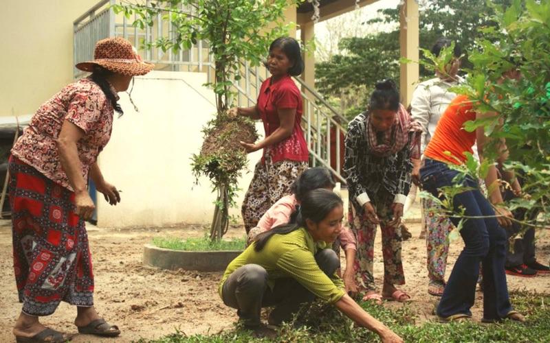 volunteer in cambodia responsibly with Green Umbrella
