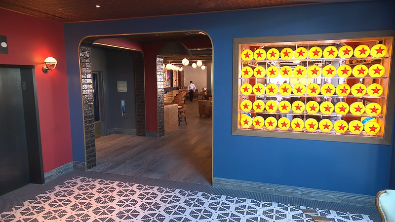 lamplight lounge pixar pier official (5)
