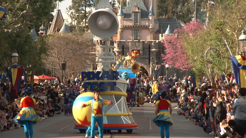 pixar play parade new floats for pixar fest (6)