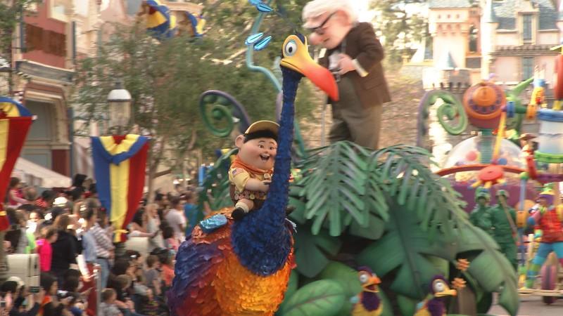 pixar play parade new floats for pixar fest (2)