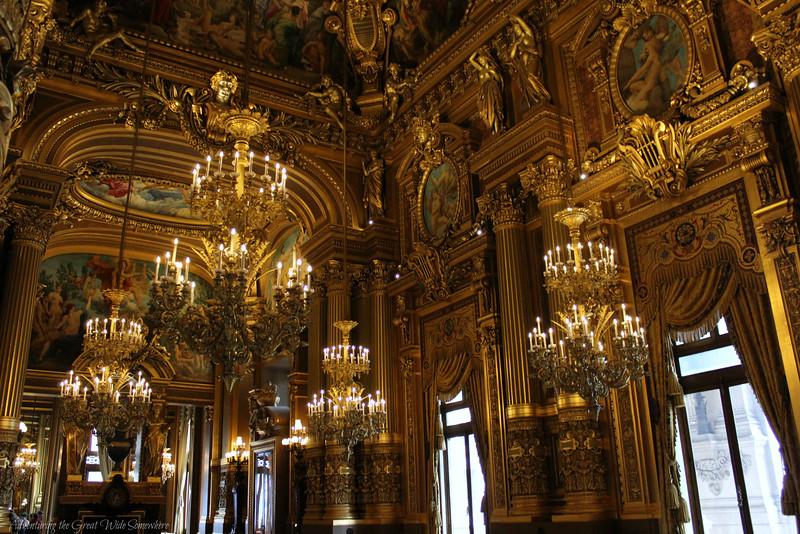 Superficie Grand Foyer Opera Garnier : Parisian glitz glamour at the palais garnier